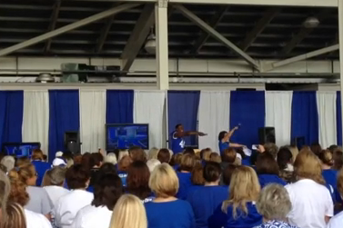Kentucky Football Entertains Wildcat Faithful at Women's Clinic