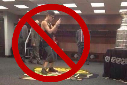 Chicago Blackhawks Fans Get Revenge on Justin Bieber for Standing on Their Logo