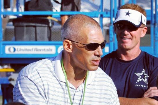 Yankees Manager Joe Girardi Stopped by Cowboys Camp