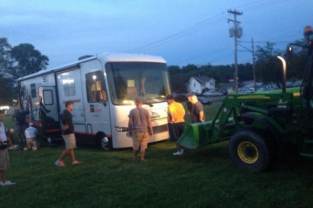 Peter King's Tour Bus Gets Stuck in Ditch, Total Coverage Ensues