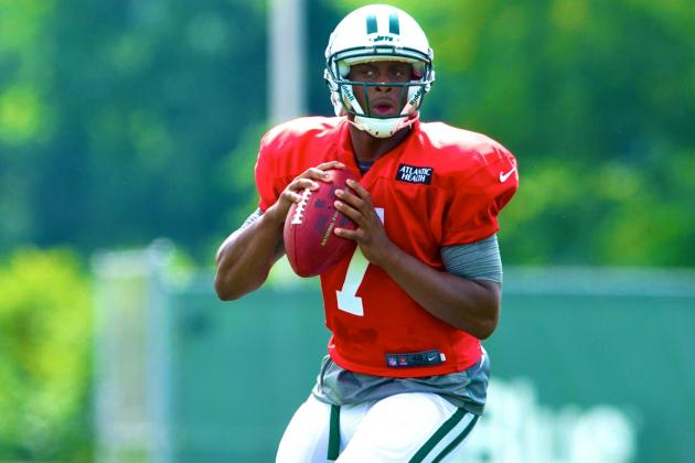 New York Jets Rookie Geno Smith Reportedly Outplaying Mark Sanchez at Camp