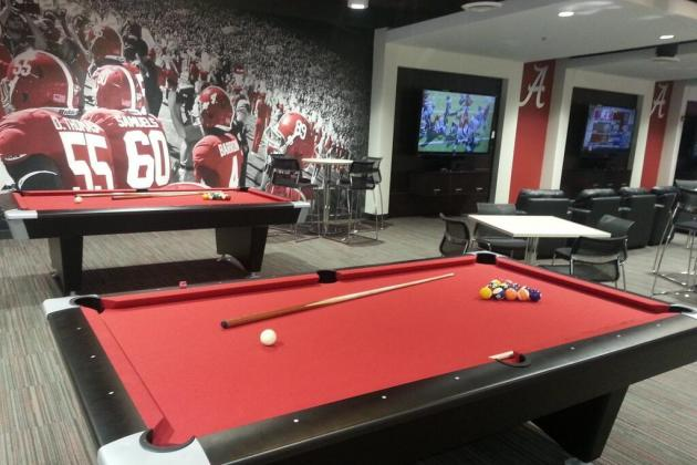 How Alabama's New Facility Compares to Oregon's New Football Performance Center