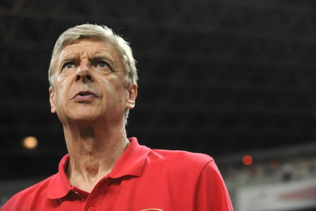 Arsenal Transfer News: Latest Debacle over Luis Suarez Opens Up Pitch to Youth