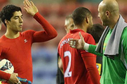 Reina expects Suarez departure