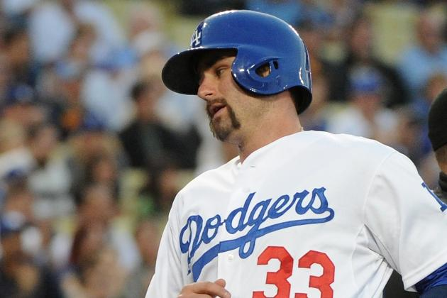 Dodgers Option Scott Van Slyke to Clear Room for Stephen Fife