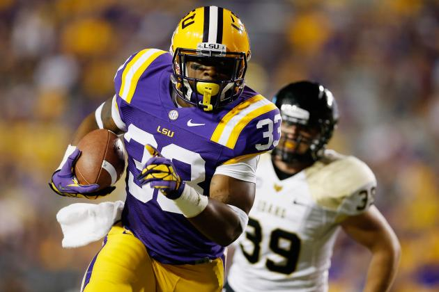 Les Miles Has a Tough Decision to Make with Jeremy Hill's Future at LSU