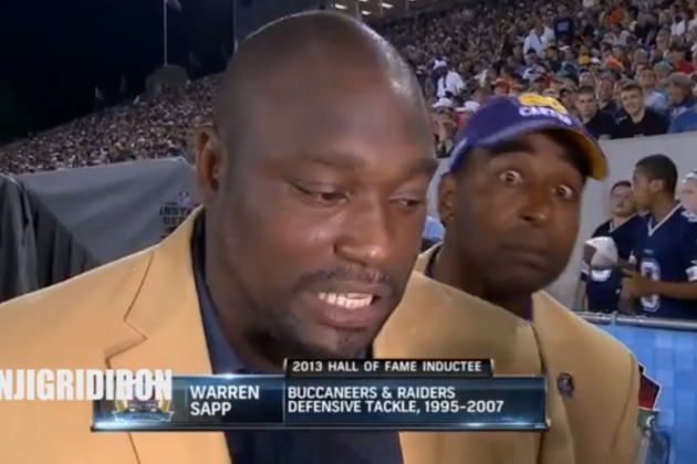 Cris Carter Videobombs Warren Sapp During a Hall of Fame Game Interview
