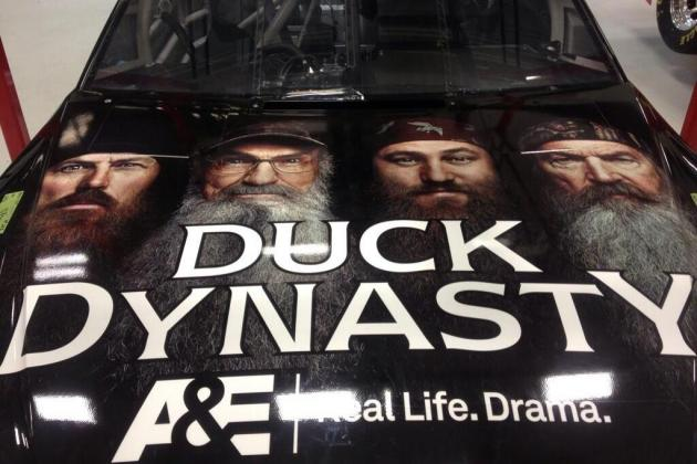 Clint Bowyer Shows off 'Duck Dynasty' NASCAR Paint Job