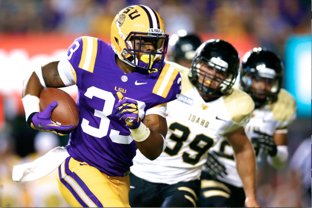 Why LSU Coach Les Miles Let Team Vote on RB Jeremy Hill's Reinstatement