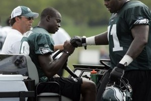 Maclin Undergoes Successful Knee Surgery