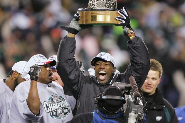 Should the Eagles Sign Terrell Owens After Losing Arrelious Benn to a Torn ACL?