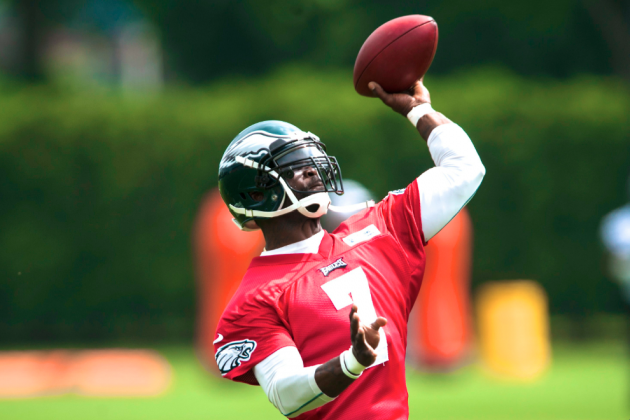 Michael Vick vs. Nick Foles: Vick Wins Philadelphia Eagles' QB Battle