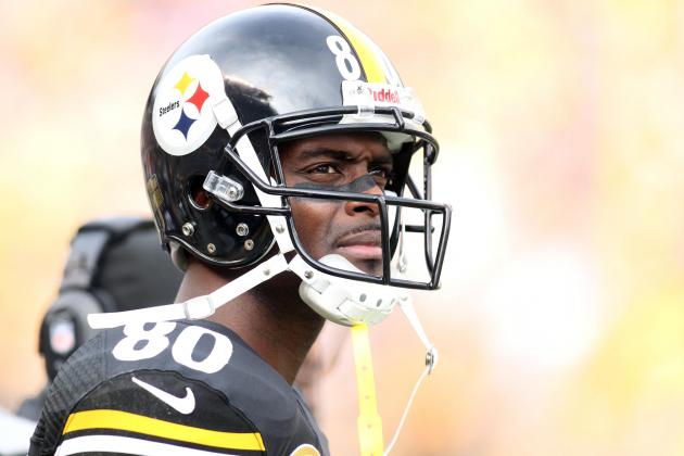 Plaxico Burress Should Retire After Reportedly Tearing Rotator Cuff