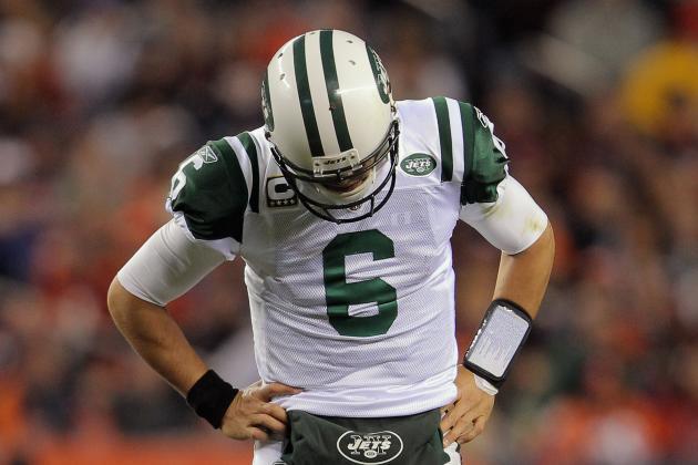 Mark Sanchez Throws a Pick-Six on 1st Drive of New York Jets' Preseason Opener
