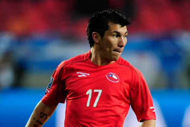 Cardiff City Sign Sevilla Midfielder Gary Medel to 4-Year Deal