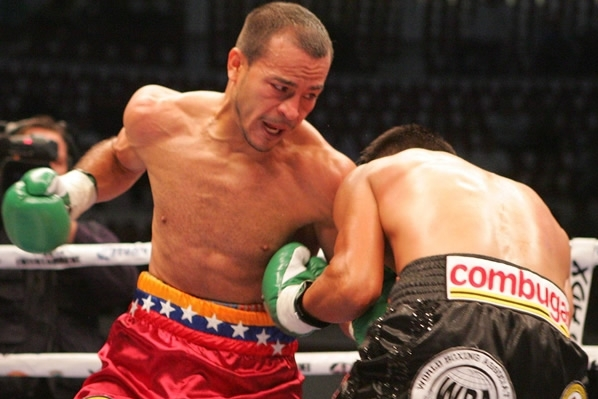 Escandon vs. Cermeno: Nehomar Cermeno Defeats Oscar Escandon Via Split Decision