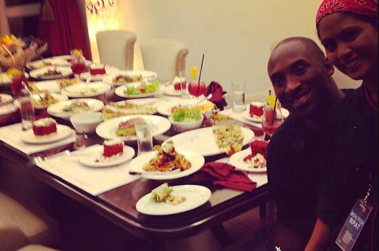 Instagram: Manny Pacquiao's Staff Spoils Kobe