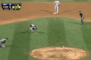 Jose Iglesias Video: Watch Tigers Shortstop Make Insane Barehanded Play