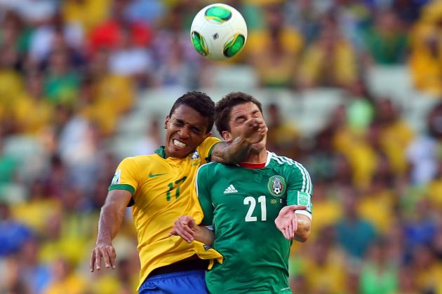 Luiz Gustavo's Interest in Arsenal Is Music to Gooners' Ears in Quiet Summer