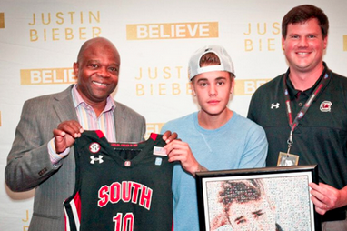 Photo: Justin Bieber Was Given an Honorary South Carolina Basketball Jersey