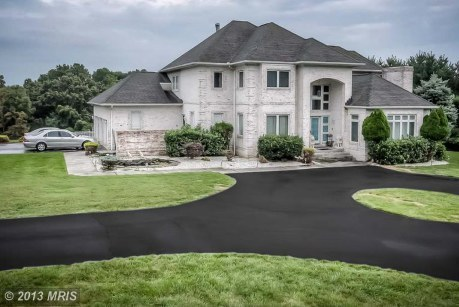 You Can Own Ray Lewis' Tacky Maryland House for $1.1 Million