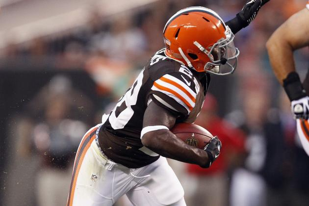 Report: Browns RB Lewis Breaks Leg vs. Lions