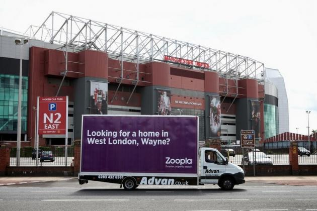 Property Website Trolls Chelsea Target Wayne Rooney Outside Old Trafford