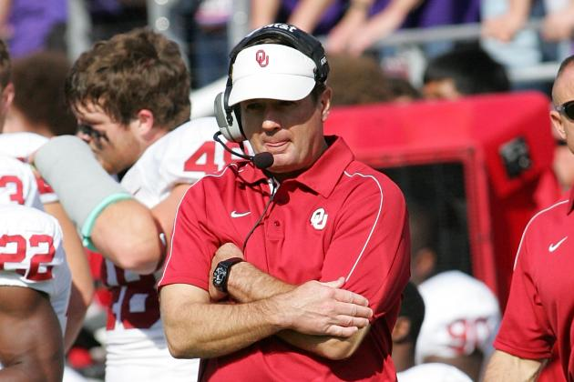 Stoops Hopes to Name a Starting Quarterback 'By End of Next Week'