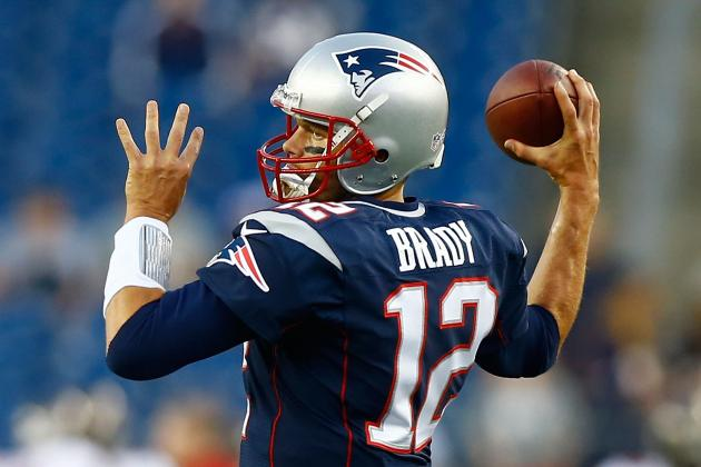 Brady Looks Sharp Just Days After Knee Scare