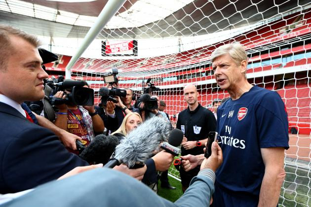 Arsenal Transfer News: Arsene Wenger Plays Politician with Latest Comments
