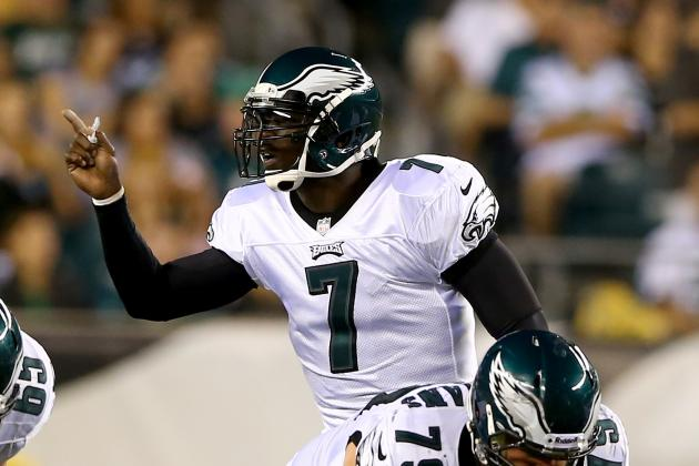 Vick Takes Majority of First Team Reps at Eagles' Practice
