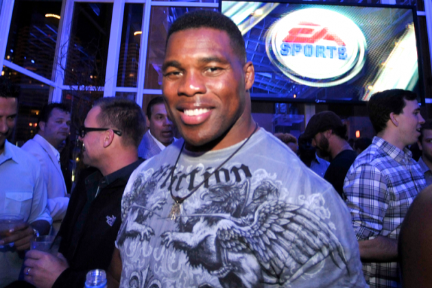 Georgia Football Legend Herschel Walker Boogies to 'Blurred Lines'