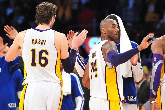Report: Lakers to Wear White Short-Sleeve Jerseys Next Season