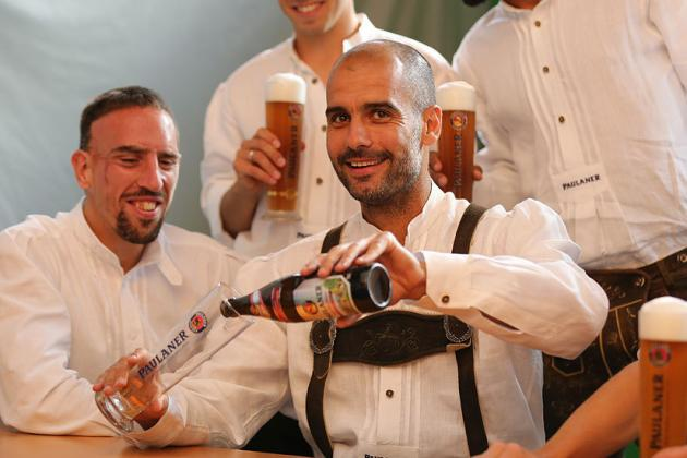 Pep, Players Wear Lederhosen, Drinks Beer