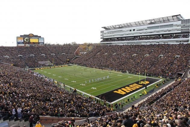 9 Hawkeyes Named to Kinnick Stadium Wall of Honor