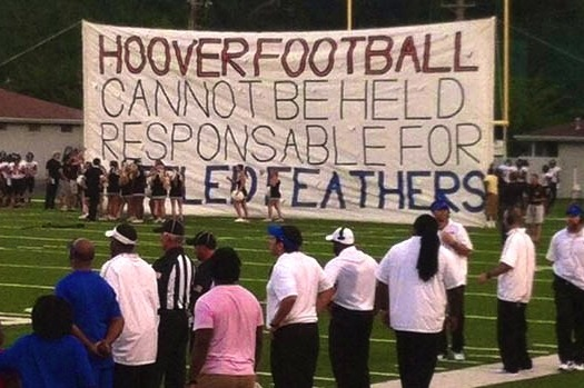HS Cheerleaders' Banner Fail