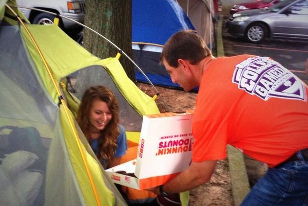 Photo: Swinney Delivered Breakfast to Students Camping out for UGA Tickets