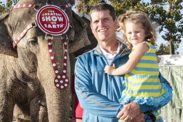 San Francisco 49ers Coach Jim Harbaugh Caught Smiling and Wearing Jeans