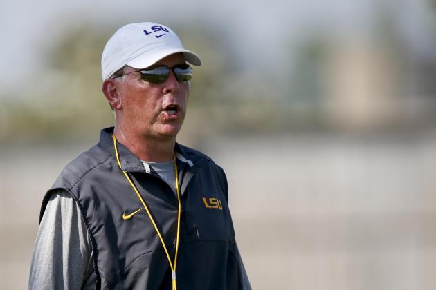 Les Miles Feels Offense Is Improving Under Cam Cameron