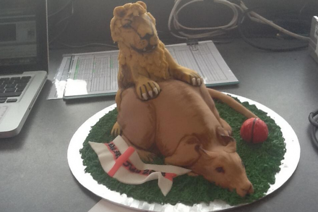 BBC TMS Radio Team Sent Amazing Cake on Last Day of Ashes Series