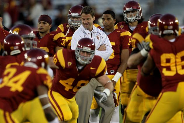 How Can Lane Kiffin Avoid Losing the Locker Room in 2013?