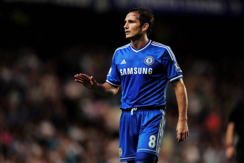 Frank lampard assessing the chelsea midfielders role under jose london england august 21 frank lampard of chelsea gestures during the barclays premier voltagebd Images