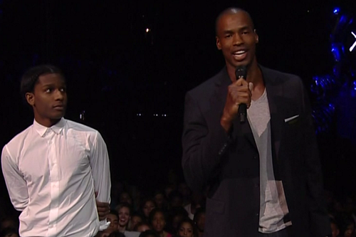 Jason Collins Appears at MTV's Video Music Awards