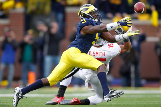 Michigan CB Courtney Avery out Two Weeks with Knee Injury