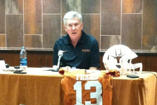 Photo: Texas to Wear Helmets with Player Numbers