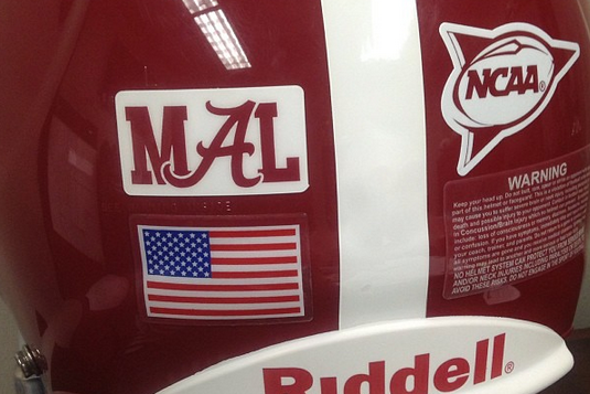 Alabama to Honor Former AD Mal Moore with Helmet Decal