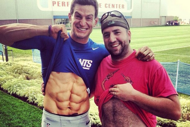 Giants Punter Steve Weatherford Shows off His Ridiculously Ripped Abs