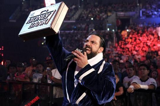 WWE: Should Damien Sandow Cash in His Money in the Bank at a Live Event?