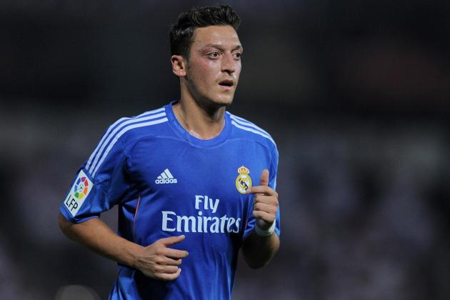 Manchester United Transfer Rumours: Mesut Ozil Storms into the Picture