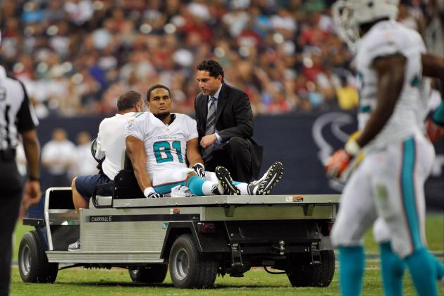 NFL Will Study Hits to Knees on Defenseless Players; Rule Change Possible